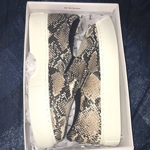 Brand new casual shoes